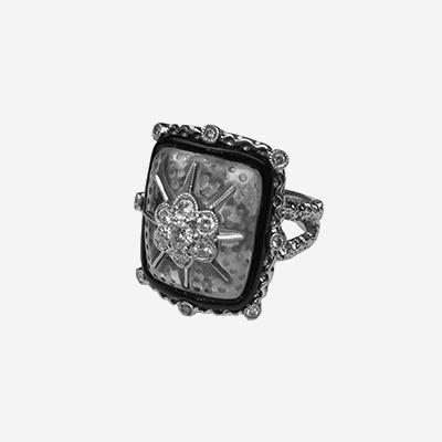 18kt Diamond and Enamel Ring