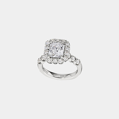 18K Radiant Cut Diamond Engagement Ring