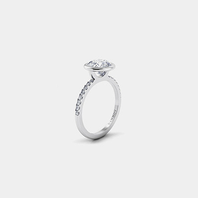 18K Round Diamond Engagement Ring