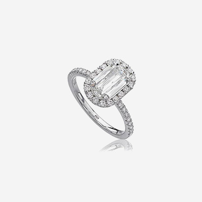 18kt Crisscut Diamond Halo Engagement Ring