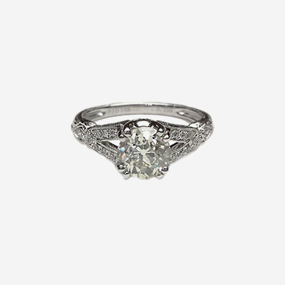18kt Antique Style Ring Set With Old Mine Cut Diamond