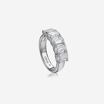18kt Diamond Wedding Band
