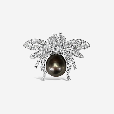 14kt black pearl and diamond bee pin