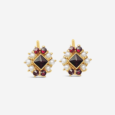 18kt garnet and seed pearl earrings