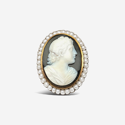 14kt cameo pin with fresh water pearls