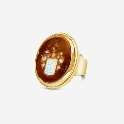 18kt Carnelian Intalgio coat of arms ring