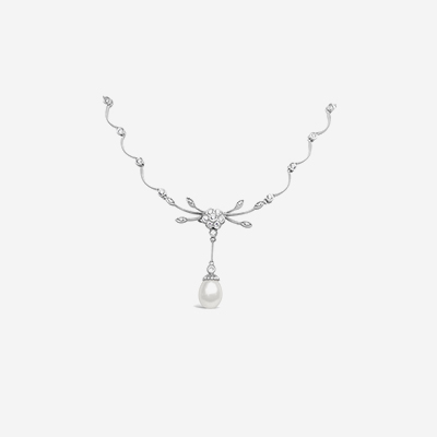 18kt diamond and pearl necklace