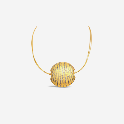 18kt diamond shell necklace