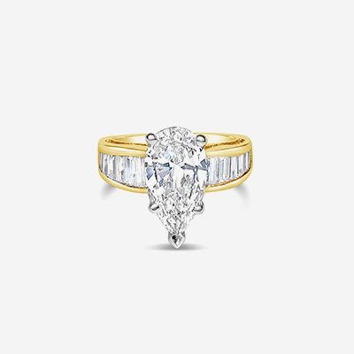 18kt Pear Diamond Engagement Ring