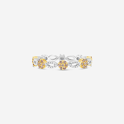 18kt diamond flower wedding band