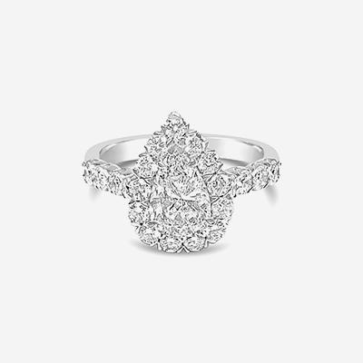 18kt pear shape diamond engagement ring